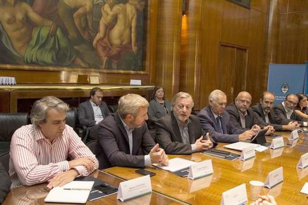 Valdés critica las asimetrías en las tarifas públicas