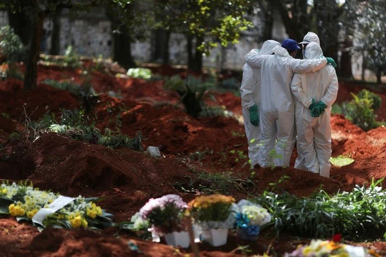 Brasil reportó 204 muertes por coronavirus en las últimas 24 horas, un nuevo récord diario