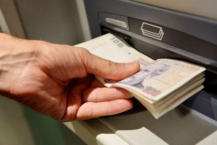 Confirmado: El viernes, por terminación de DNI, empieza el pago de sueldos a estatales provinciales