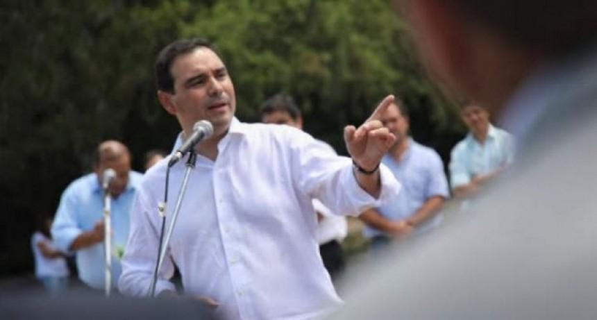 Gustavo Valdés, sobre el amontonamiento en los bancos: