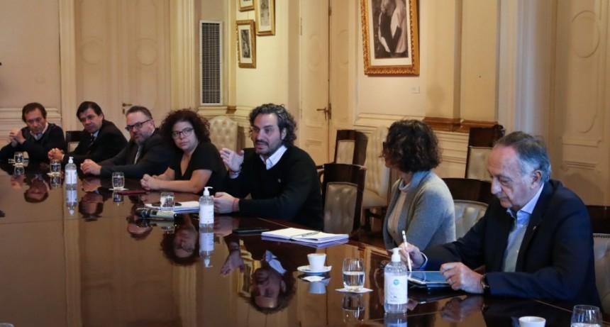 La CGT y la UIA presionan al Gobierno para acelerar la salida de la cuarentena