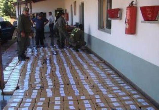 Virasoro: incautan más de 157 kilos de marihuana escondida en un auto