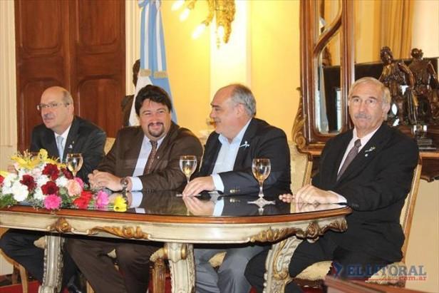 Closs admitió que Misiones recibe más por Yacyretá pero negó discriminación de Nación