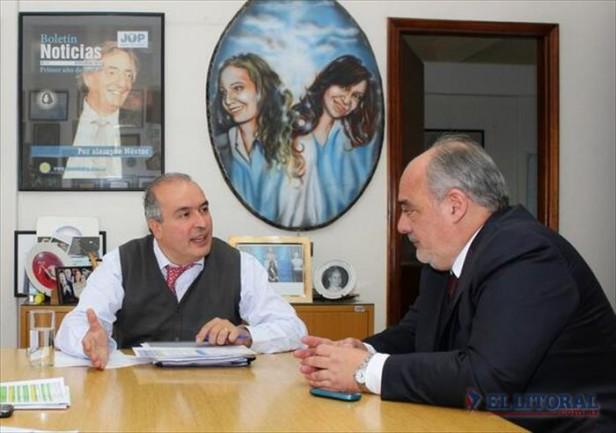 Colombi presentó un proyecto para la construcción de 453 viviendas ante Nación
