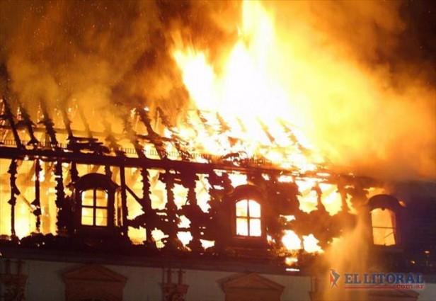 Murió una mujer al incendiarse su vivienda