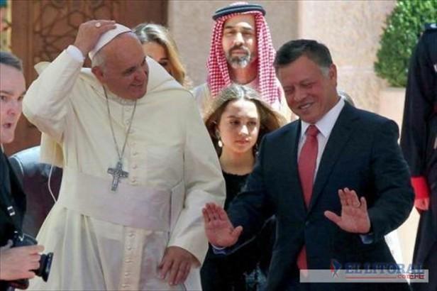 El papa Francisco pidió una solución urgente para el conflicto en Siria