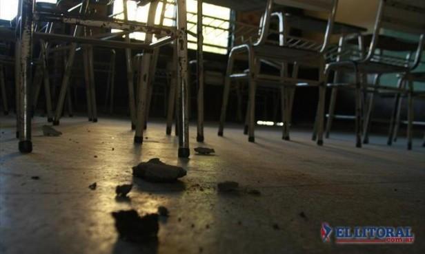 Escuela Nº 9: pararon las obras y los alumnos siguen dando clases sin luz