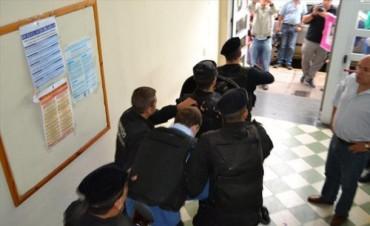 Masacre del San Benito: postergación del juicio desató la bronca de la familia Castillo
