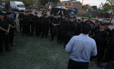 Megaoperativo policial en varios barrios con más de cien efectivos