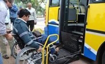 Presentaron los primeros colectivos adaptados para personas discapacitadas