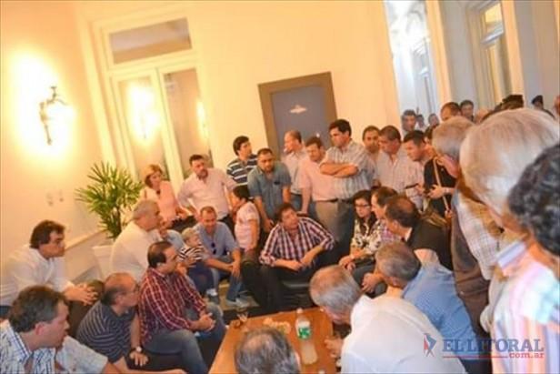"""Scioli logró reunir en Goya a todo el FPV y bajó línea: """"Juntos vamos a triunfar"""""""