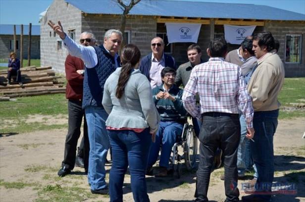 Ríos vuelve a reclamar por deudas y fondo educativo