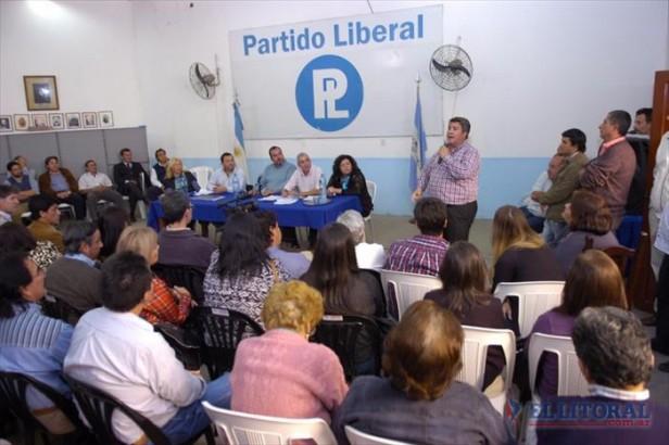 El PL apura un consenso total para elegir alianzas nacionales a tiempo y sin quiebres