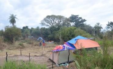 Unas 20 familias okupas permanecen en los predios usurpados del 17 de Agosto