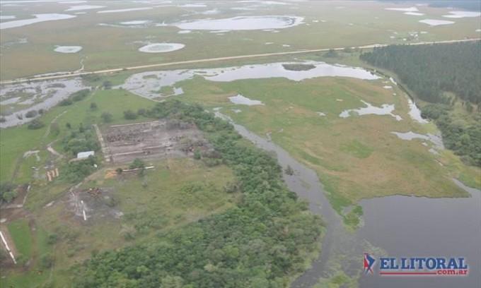 Relevan los daños que la inundación causó en campos del 50% del territorio provincial