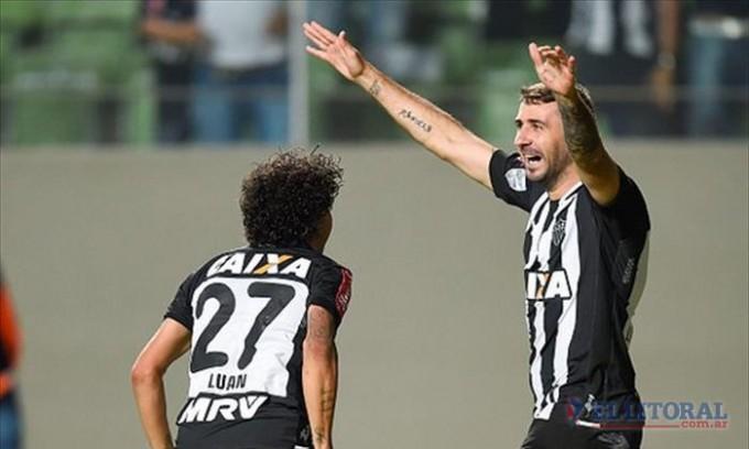 Racing cayó a manos del Atlético Mineiro en Belo Horizonte y se quedó afuera