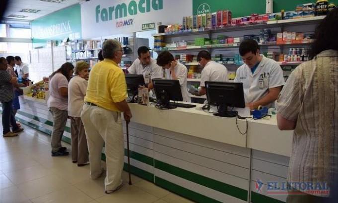 Farmacias evalúan no atender a los afiliados del Pami otra vez por la deuda
