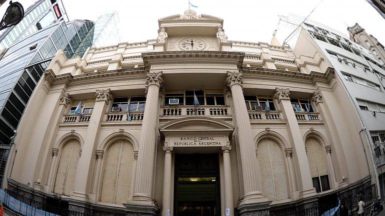 El Banco Central vuelve a bajar fuerte las tasas y busca reanimar la economía
