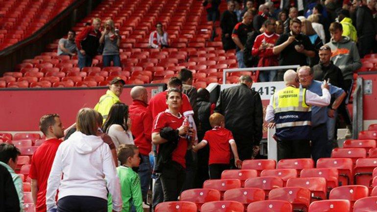 Por una amenaza de bomba, se suspendió Manchester United-Bournemouth en Old Trafford