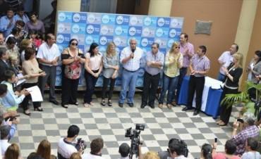 """Ríos encabezó acto de pase a planta y se refirió a la """"difícil situación financiera"""""""