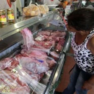 Ofertan carne a 100 gramos por la caída del consumo