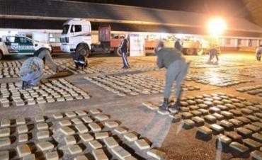 Entre maderas, llevaba 2.253 kilos de marihuana