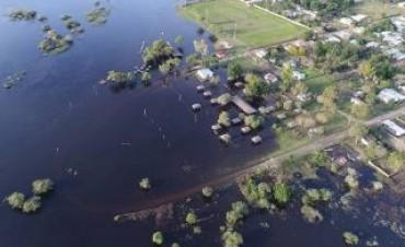 Más de 60 familias fueron evacuadas en Mercedes y San Roque