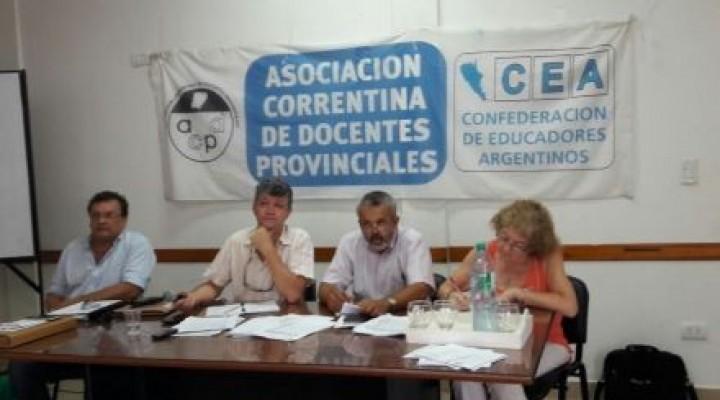Docentes exigen al gobierno la reapertura de negociaciones salariales