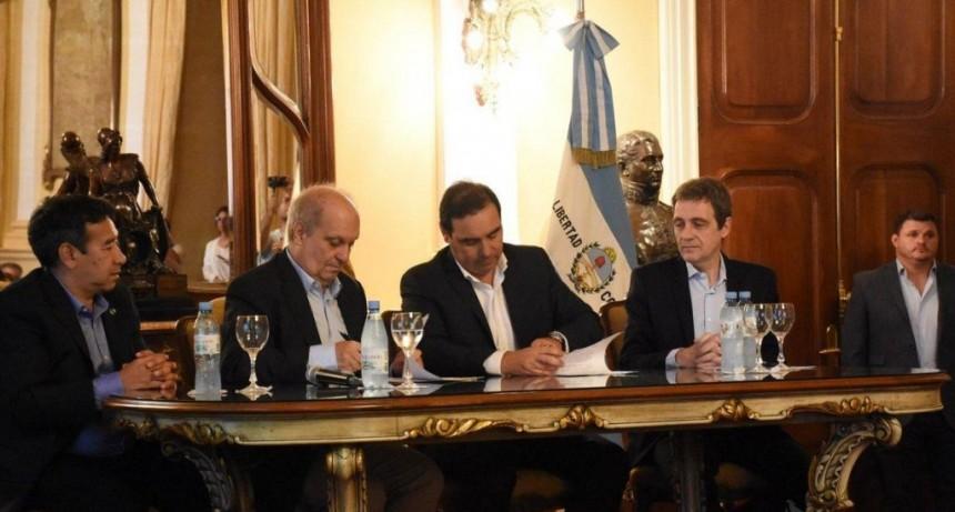 Valdés firmó convenios con Lombardi y estrecharon relaciones con Nación