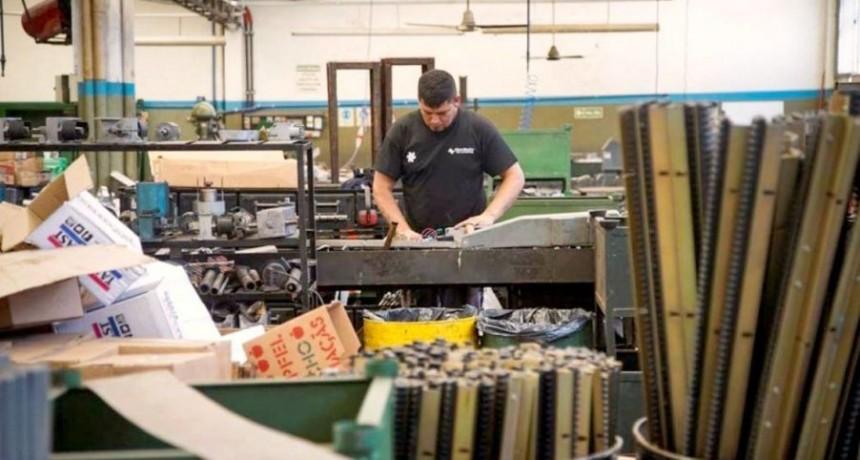 La producción de la industria Pyme cayó un 10,3% en abril