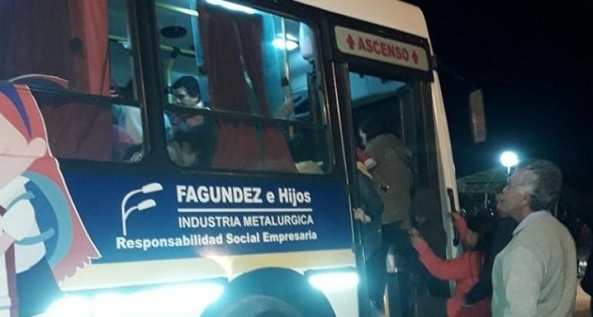 En el cierre de campaña Fagúndez donó un colectivo para transporte escolar gratuito