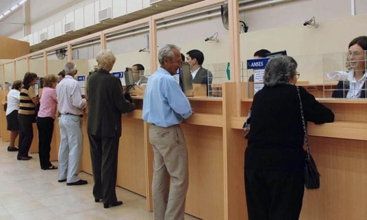 Anuncian aumento del 6,12% para todos los jubilados y pensionados
