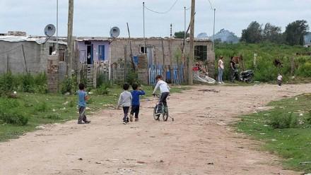 Por la pandemia, 700 mil niños y adolescentes argentinos caerán en la pobreza