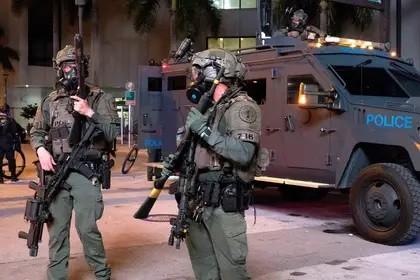 Disturbios en EEUU: aumentan a 25 las ciudades que decretaron el toque de queda