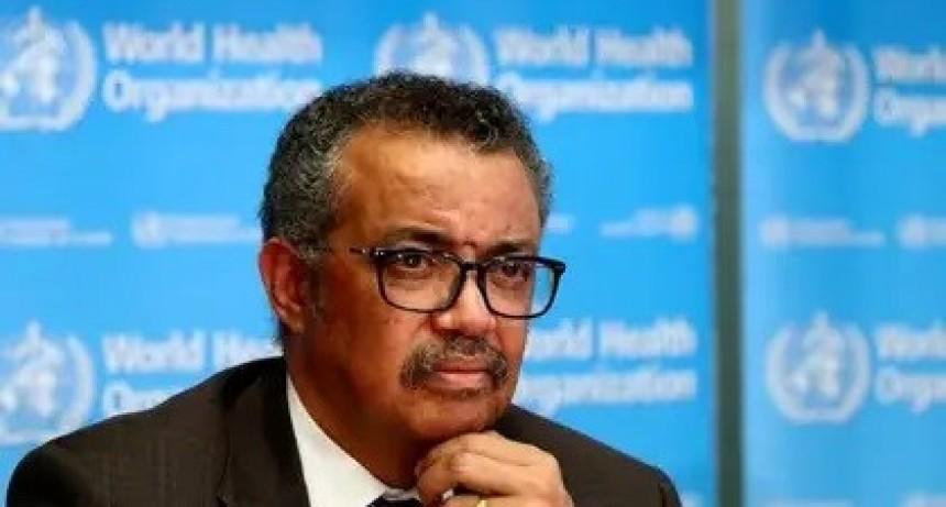 """La OMS advirtió que """"el riesgo de volver al confinamiento es muy real"""" y no descartó futuras oleadas del coronavirus"""