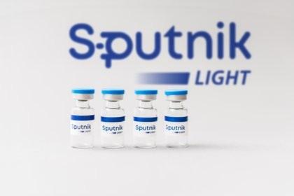 Sputnik lanzó su vacunita y llegan AstraZeneca