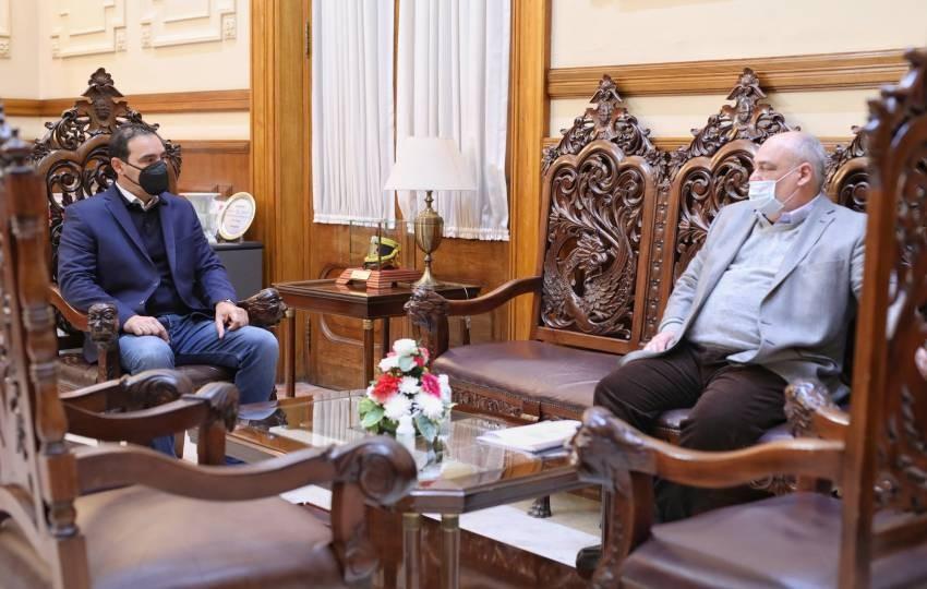 El gobernador Gustavo Valdés se reunió en su despacho con Ricardo Colombi