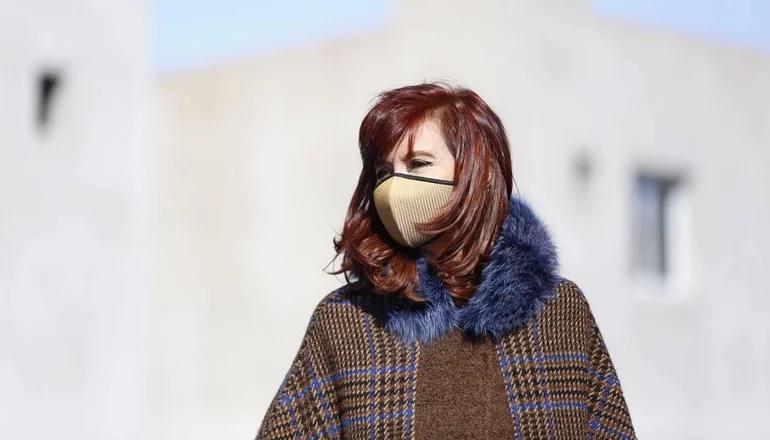 Cristina Kirchner llamó a defender la política en medio del avance de lawfare en la región