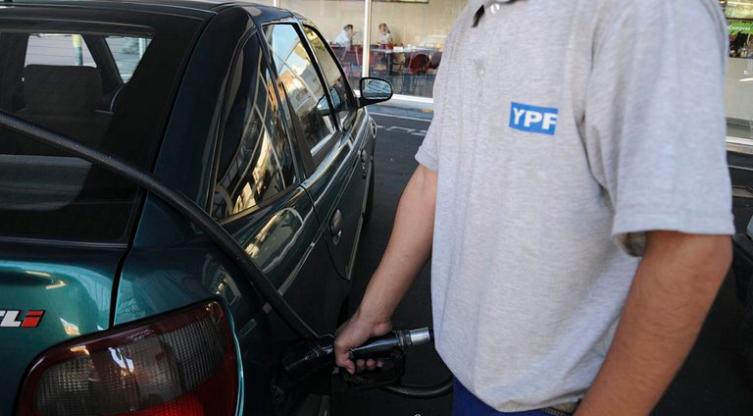 Otra vez aumento la nafta, ahora un 5%, pero dicen que es la última