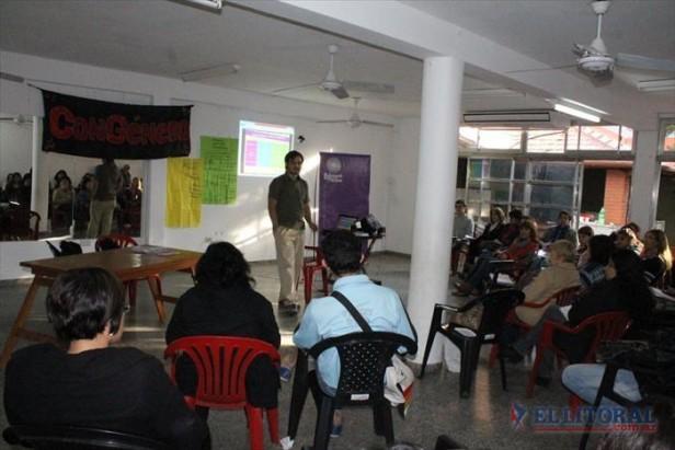 Violencia de género en medios: advierten que está naturalizada en la provincia