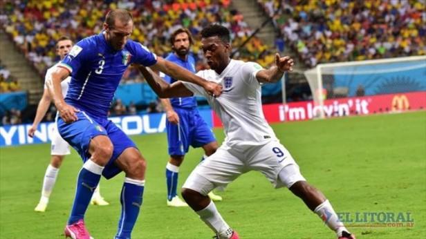 Italia venció a Inglaterra con Pirlo como gran figura