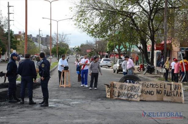 Mil Viviendas: seguirán las protestas por los desalojos
