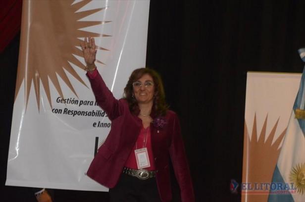 Delfina Veiravé es la nueva rectora de la Unne y la primera mujer en llegar al cargo