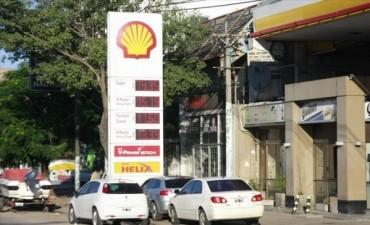 Llenar el tanque de nafta insume hasta el 21 por ciento de un salario mínimo