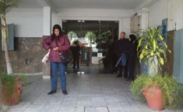 Desalojaron una clínica privada y más de 20 personas quedarían sin trabajo