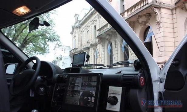 Analizan la incorporación a la Policía de móviles con modernas tecnologías