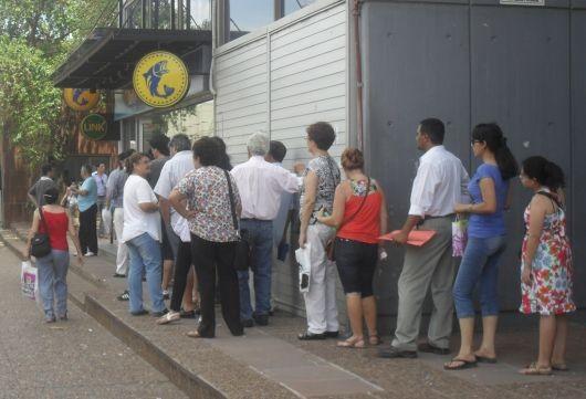 Comienza el pago del aguinaldo a trabajadores del estado provincial