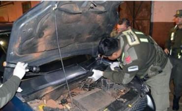 Paso de los Libres: Gendarmería secuestró 74 kilos de marihuana escondida en un automóvil