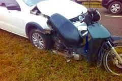 Camioneta colisionó a una moto, produjo un muerto y un herido grave