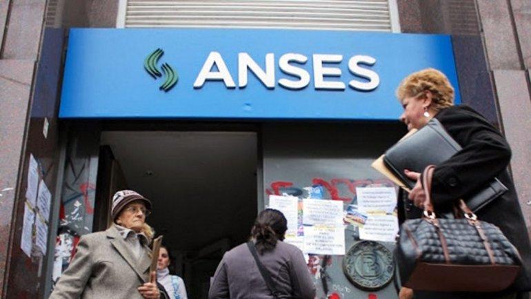 Advierten que la Anses cerraría el año con un déficit de más de $100 mil millones